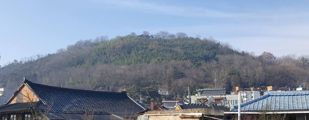법원과 검찰은 대한민국 발전에 10년을 가로막습니까?